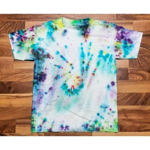 Vintage Tie Dye T Shirt. AMAZING Colors! Perfect!